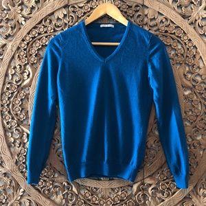 Uniqlo teal merino wool sweater